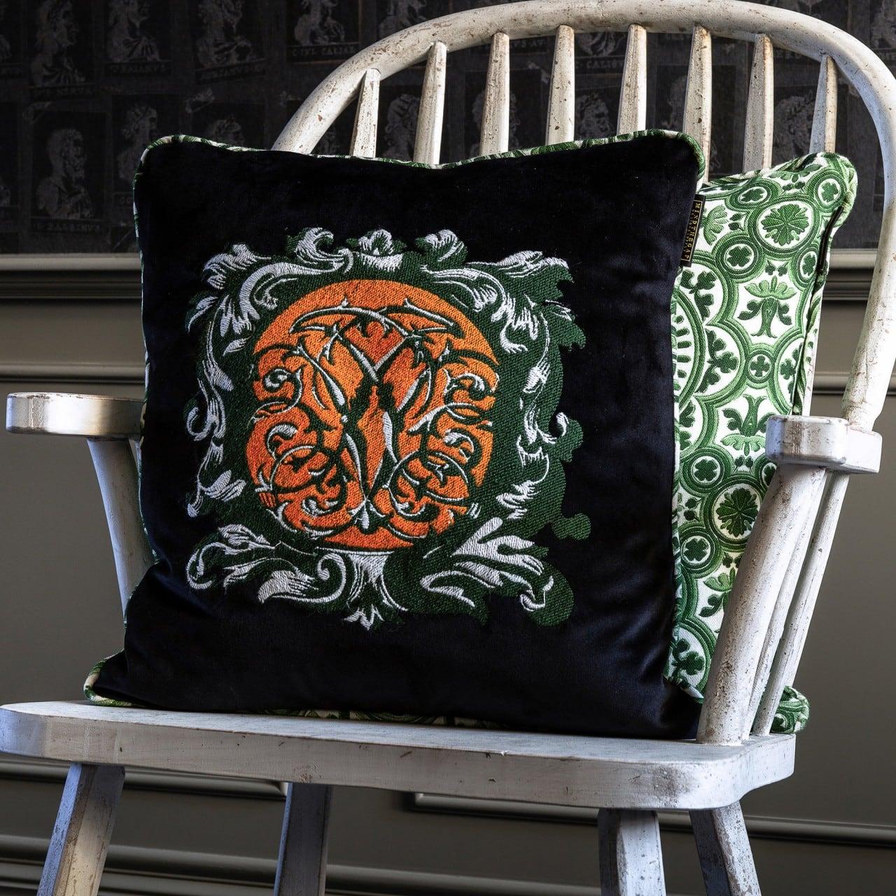 Μαξιλάρι Διακοσμητικό (Με Γέμιση) Ornamental Heraldry LC40042 MindTheGap 50X50 100% Λινό