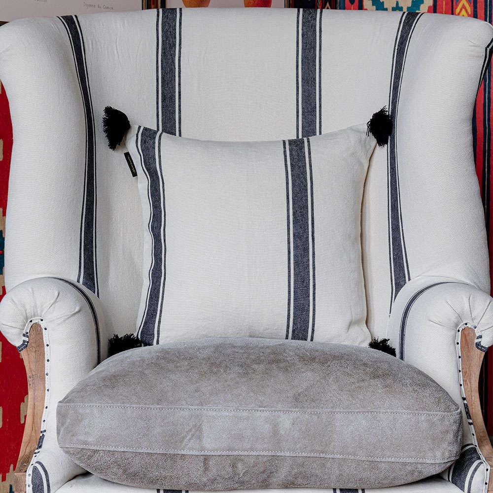 Μαξιλάρι Διακοσμητικό (Με Γέμιση) Hajdu Stripe LC40093 50×50 Ecru-Dark Grey MindTheGap 50X50 Πούπουλο-Φτερό