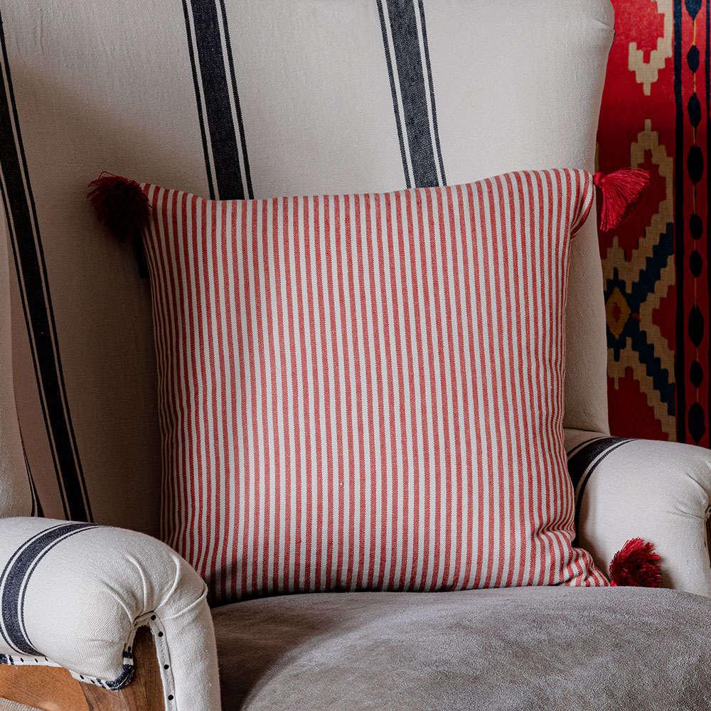 Μαξιλάρι Διακοσμητικό (Με Γέμιση) Rhubarb Stripe LC40097 50×50 Red-Beige MindTheGap 50X50 Πούπουλο-Φτερό