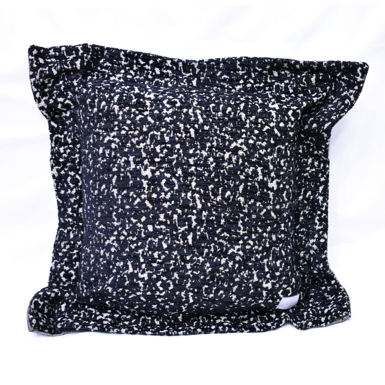 Μαξιλάρι Διακοσμητικό Gica Με Γέμιση Black Guy Laroche 50X50 Ακρυλικό-Polyester
